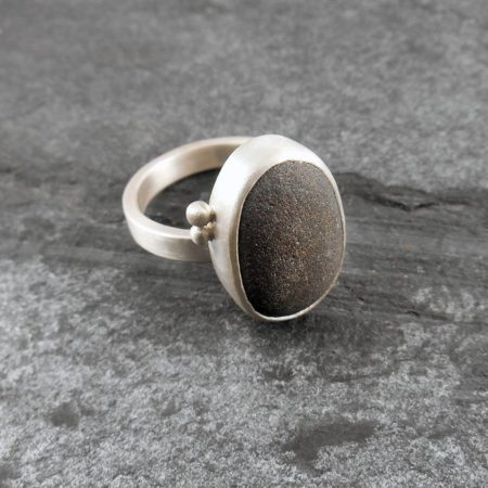 Beach Pebble & Silver Ring - Boulder IIII