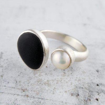 Beach Pebble & Pearl Silver Ring