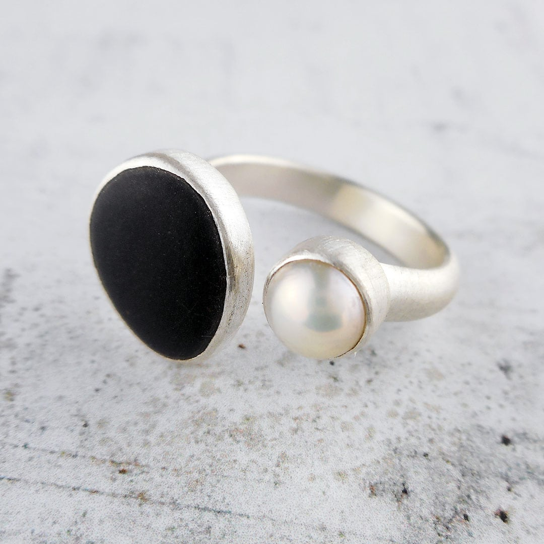 Beach Pebble & Pearl Silver Ring