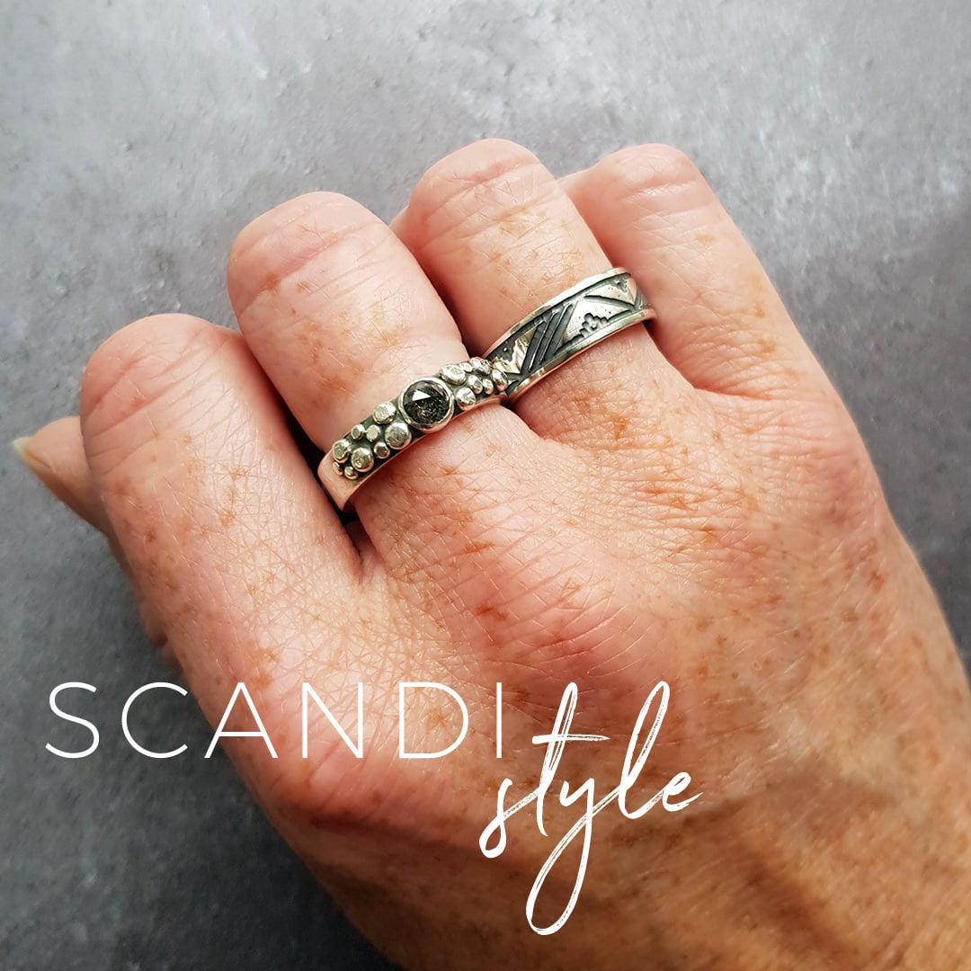 Scandi patterned ring