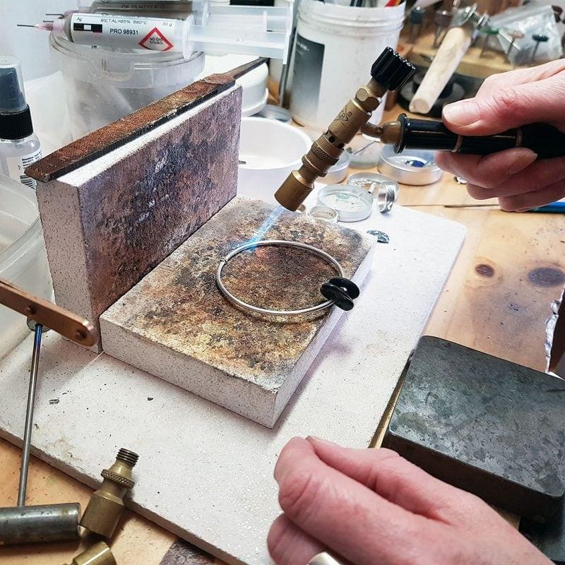 the making of a pebble bangle 4