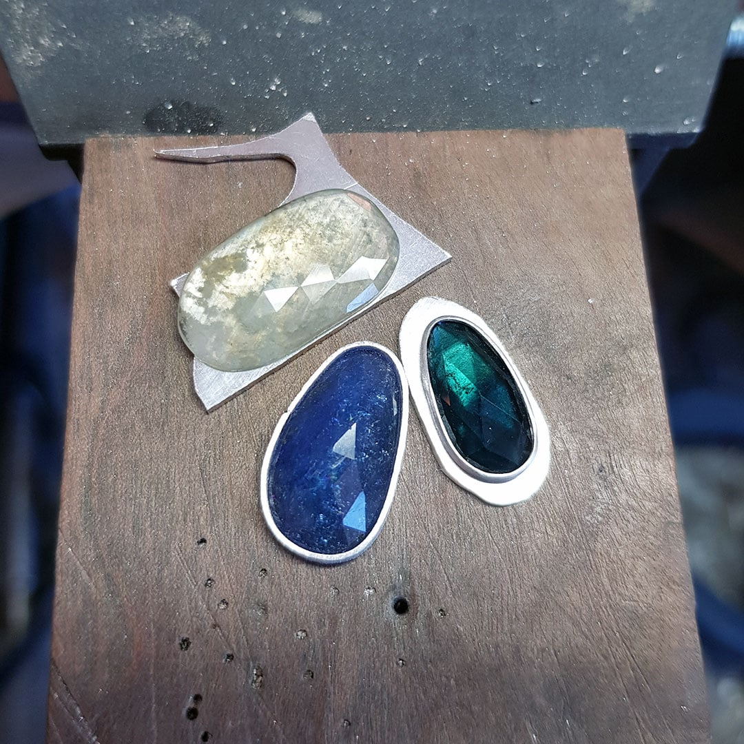 stones for new collection pendants