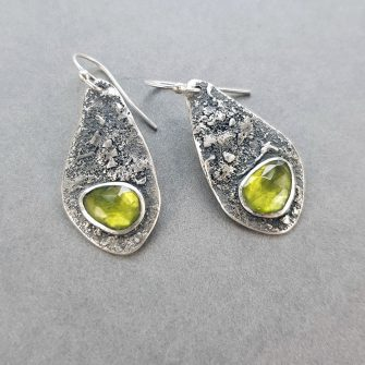Textured silver drop earrings with peridot