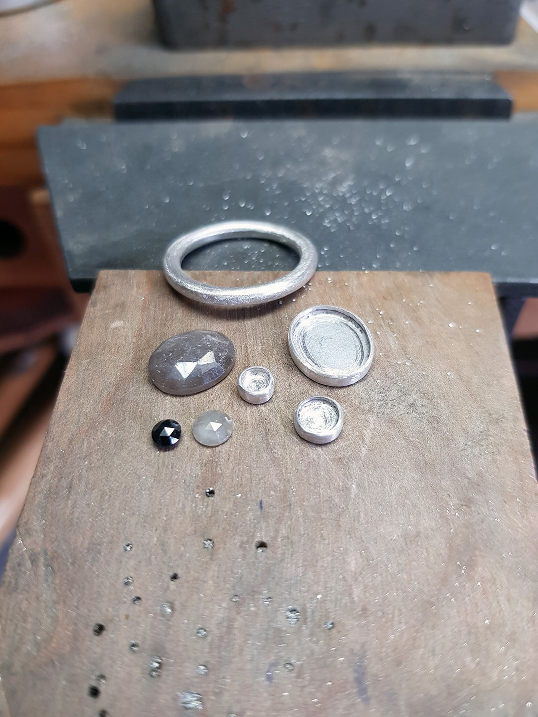making a stacking ring with diamonds