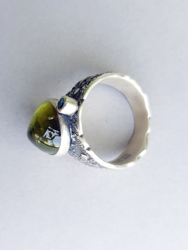 View of ring shank of green tourmaline ring