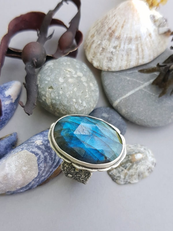 One of a kind labradorite ring in textured sterling silver