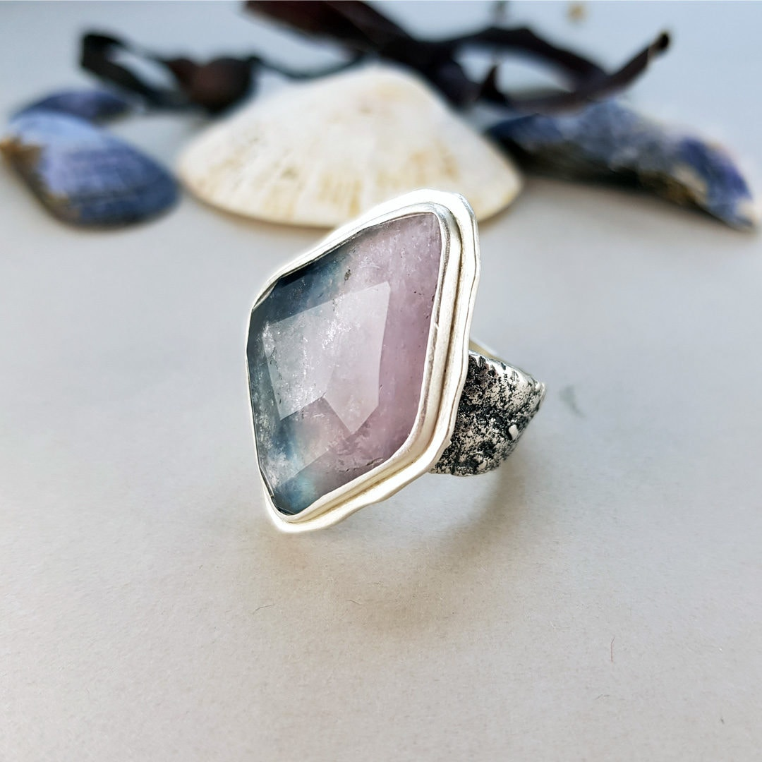 Statement ring with tourmaline and textured silver
