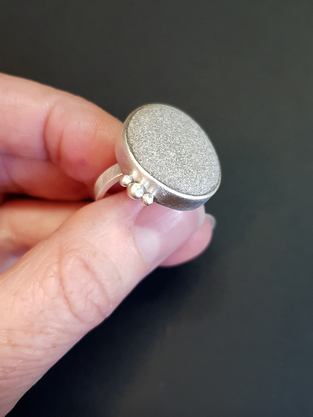 Beach pebble ring in sterling silver