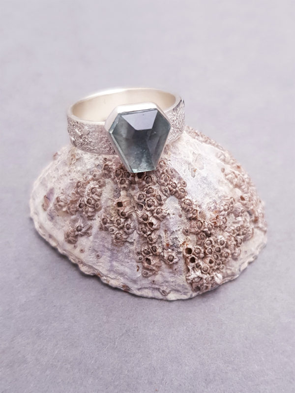 Sterling silver and aquamarine ring