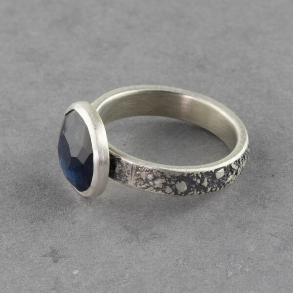 One off ring with blue tourmaline