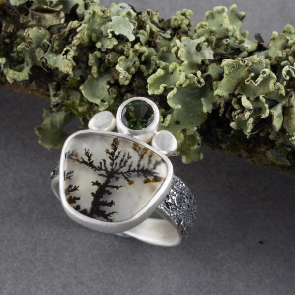 Lichen and dendritic agate ring
