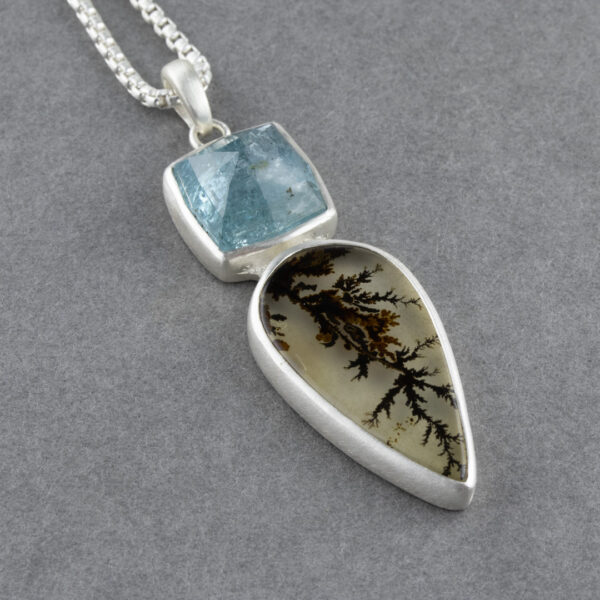 Dendritic agate and blue tourmaline pendant